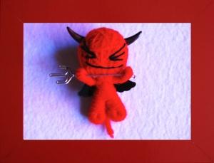 Cuando el demonio nada tiene que hacer con el rabo mata moscas